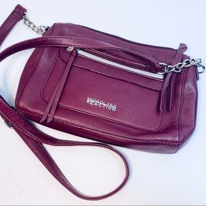 Reaction Kenneth Cole crossbody